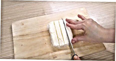 Kreminės sūrio minkštinimas kambario temperatūroje