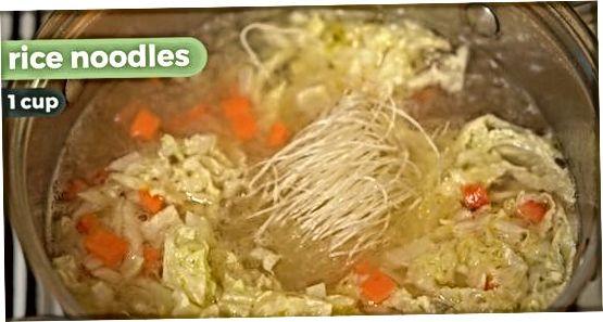 Sopa de macarrão picante de frango