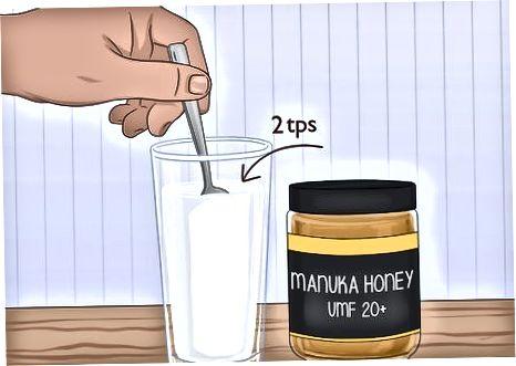 Përzierja e mjaltit Manuka me ushqimet