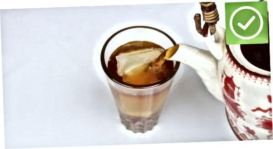 Fazendo chá gelado tailandês caseiro