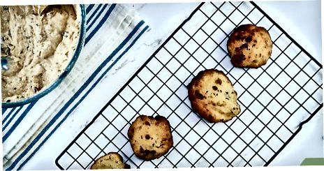 Lage grunnleggende Super Chocolatey Chip Cookies