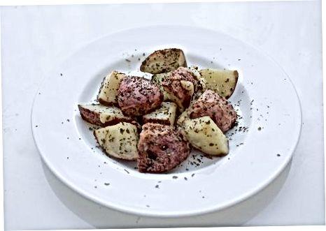 Приготування картоплі з трави пармезану з часнику