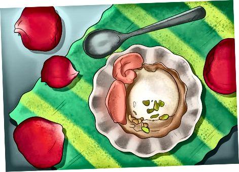 Garnitur Ushqime me Petale Rose