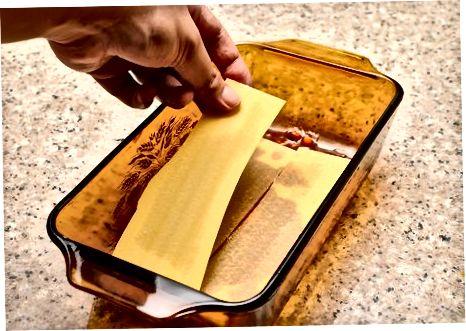Shtresimi dhe Pjekja e Lasagna