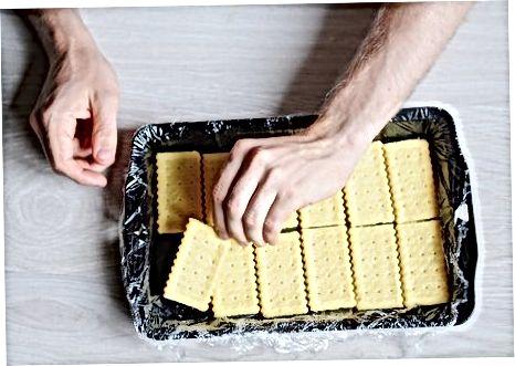 Fazendo os sanduíches de sorvete