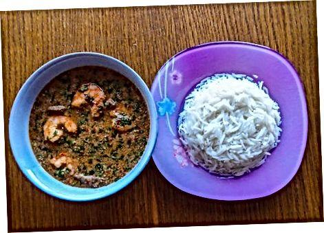 Die Suppe köcheln lassen und servieren
