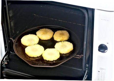 Јести незрели ананас