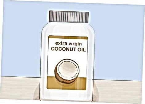 Cuinant amb oli de coco