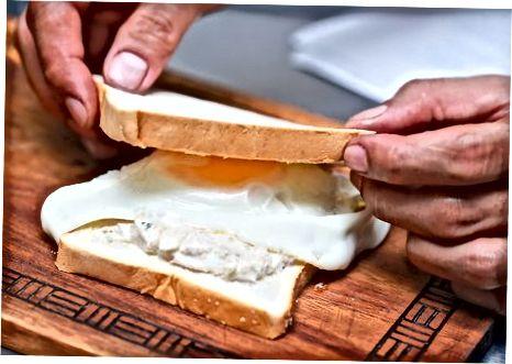 Deli-Style Tuna baliq sendvichi