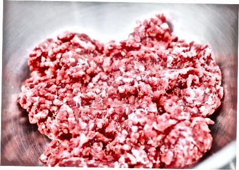 Izdelava mesnih kroglic