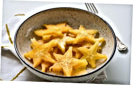 Aufräumen und Servieren von Starfruit