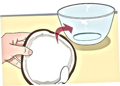 Naudojant kokosų pieną