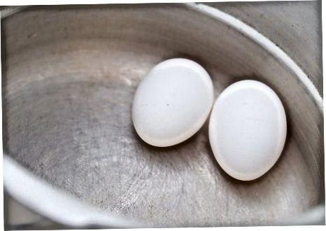 Búðu til harðsoðnu eggin