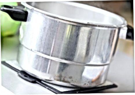 Pripremite tvrdo kuhana jaja