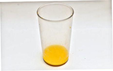 Mešanje zdrave limonske mešanice