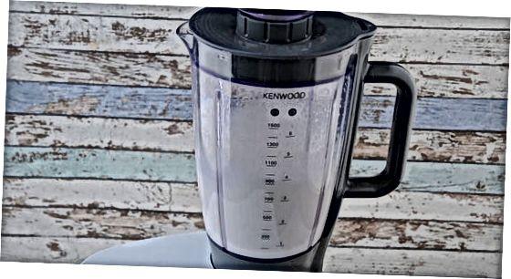 Sovuq pishirilgan Iced Latte