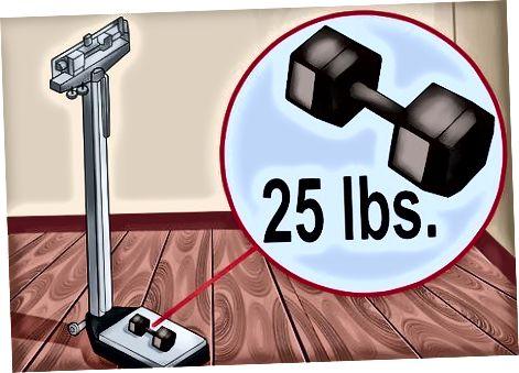 Utilitzant una escala mecànica per pesar-se