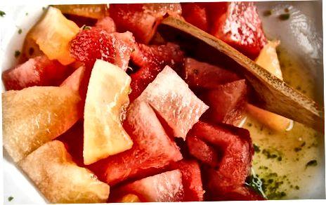 Sadna solata iz sveže melone