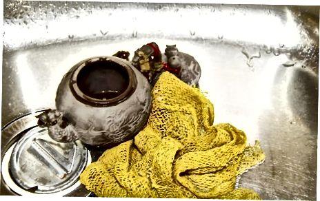 Потопити чај у воду
