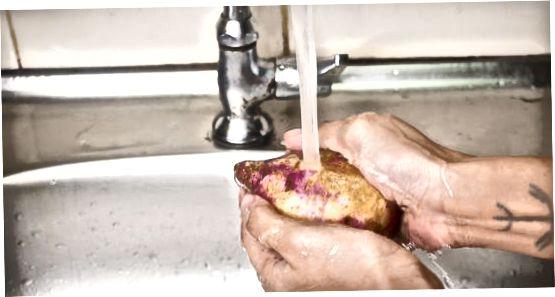 Nulupkite nevirtas saldžias bulves