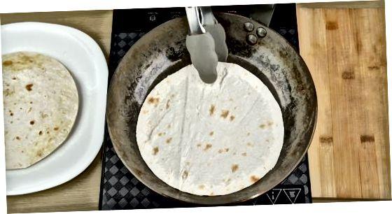 Å lage enkle enchiladas