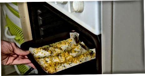Å lage sjømat Enchiladas