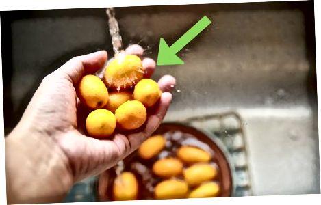 Ushqimi i një Kumquat