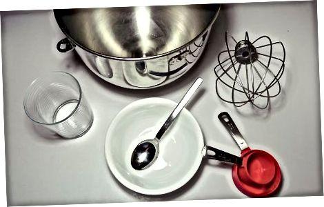 Preparando-se para fazer merengue