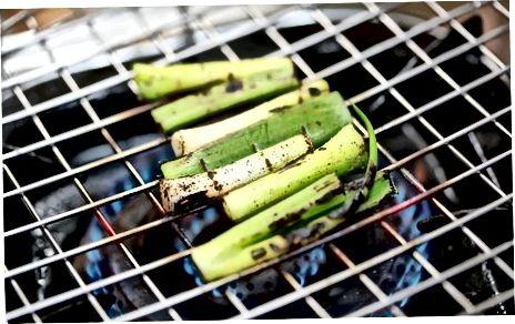हरी प्याज के साथ खाना पकाने