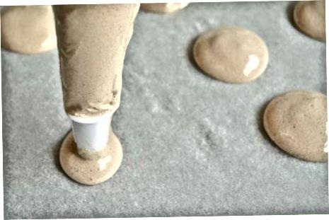 De koekjes vormen en bakken