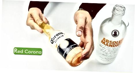 Bebendo uma Corona Mista