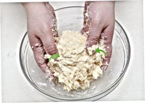 Fazendo macarrão de ovo