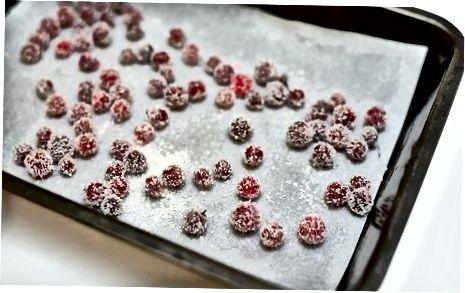Rolando os Cranberries no açúcar