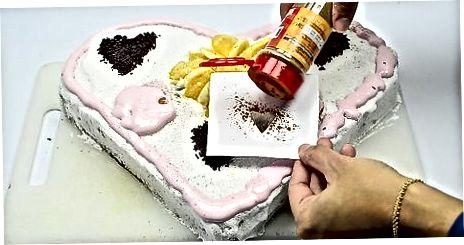 Yurak shaklidagi tortni bezash