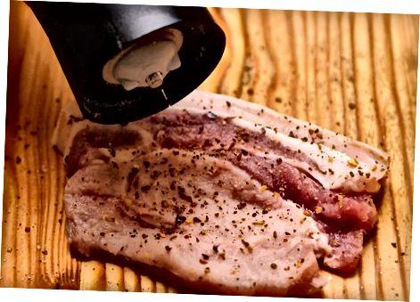 Лагано зачињавање свињских котлета