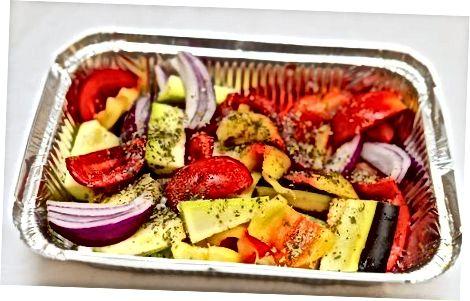 Прављење медитеранског печеног поврћа