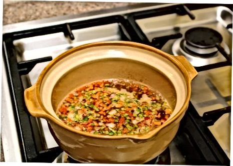Izdelava juhe iz leče v nizozemski pečici