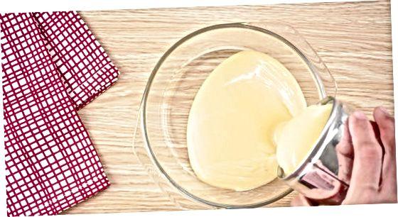 Koken gecondenseerde melk in de oven