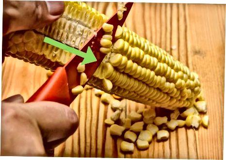 Чување куваног кукуруза на коцки