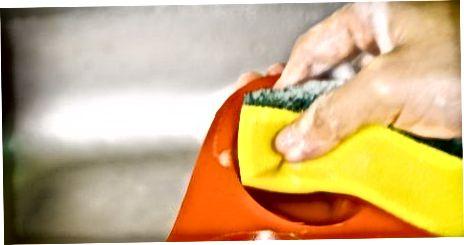 قابلمه های مافین سیلیکونی را بشویید