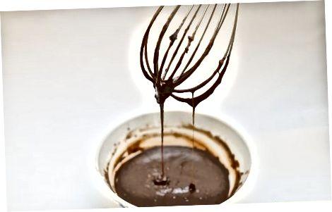 Shirinlashtirilgan quyultirilgan sutdan foydalanib toffee pyuresi tayyorlash
