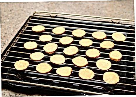 Süßkartoffeln in einem Ofen dehydrieren