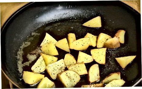 Gebratene neue Kartoffeln