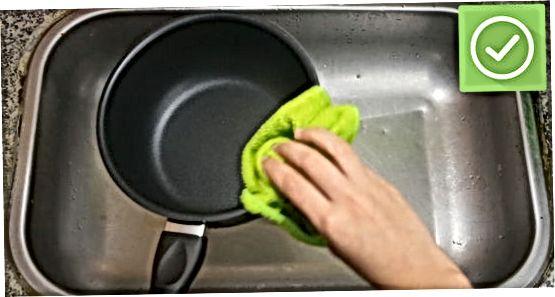 Teflonpannide puhastamine pärast üldist kasutamist