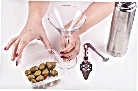 Birgalikda klassik quruq Martini