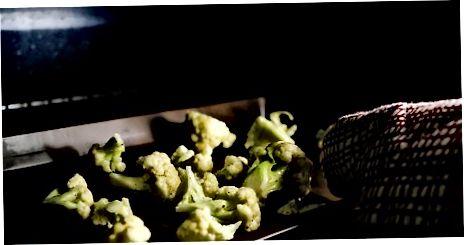 Прављење печене карфиоле са пармезаном