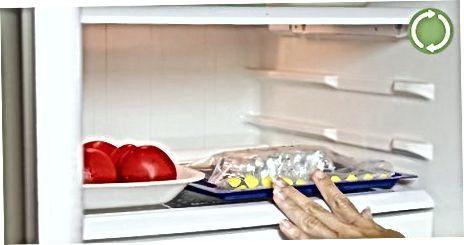 Usando uma frigideira profunda para tamales crocantes, mas gordurosos