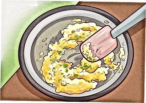 नाश्ते के साथ मिश्रित पेस्टो
