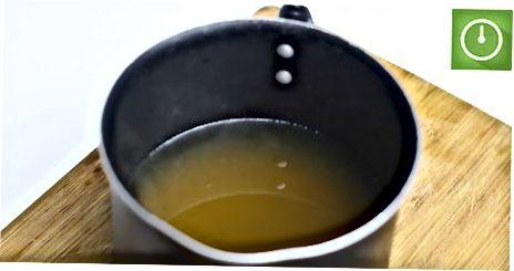 מכין תה ירוק מבושל חם