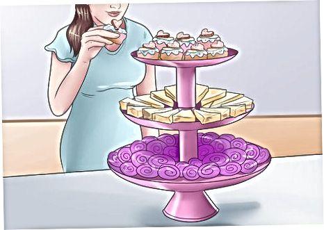 Planuojamas arbatos vakarėlis suaugusiems